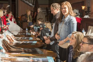 "Actors sign autographs at the ""Hearties Family Reunion"" Fan-Con event"